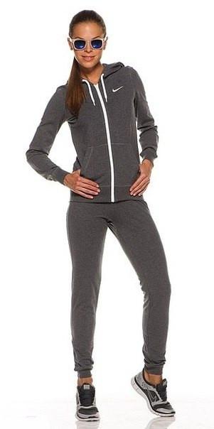 модные женские спортивки Nike